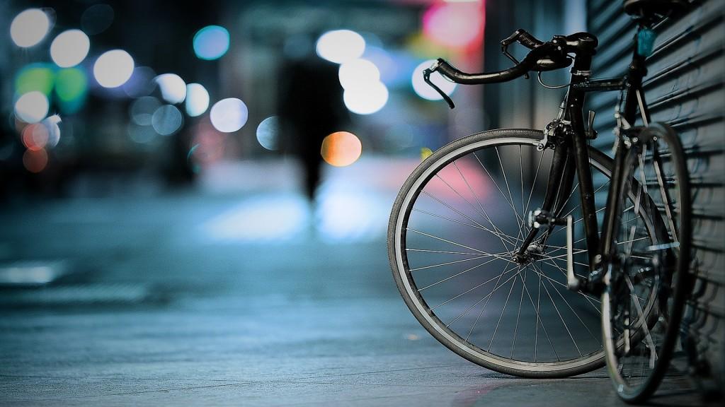 a-relacao-entre-um-livro-uma-teoria-de-einstein-e-uma-bicicleta-1